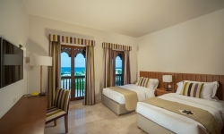Sifawy Hotel Apartment -.Twin Bed Yellow Lightg-L
